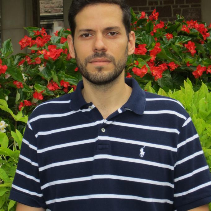 Headshot of Victor Macia Medina
